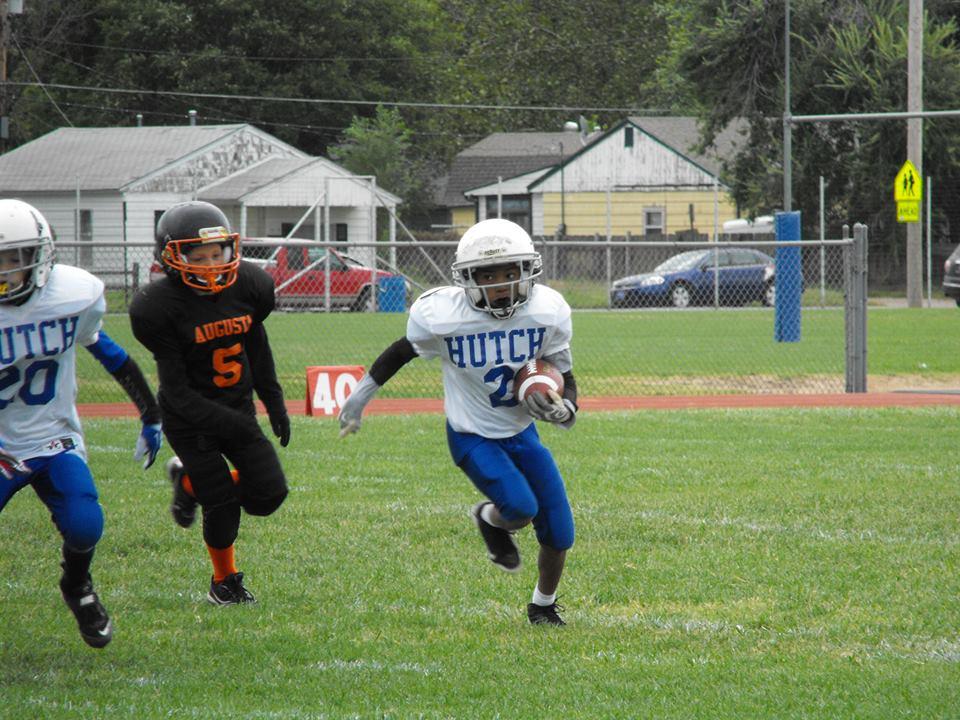 The Little Leaguer - YMCA Football  Hutch White Hawks 4th Grade ... d7dd2dcd2